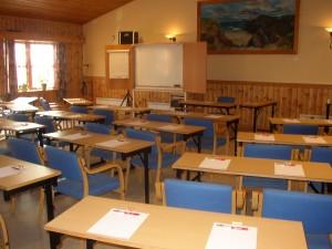 Møtesalen omgjort til konferansesal.