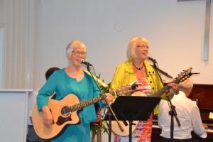 Marit og Irene deltok på jubileet med tale og song.